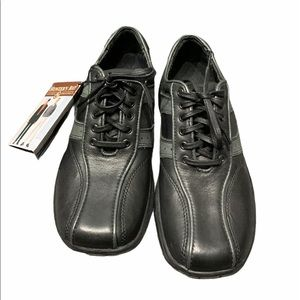 NWT Hunter's Bay Men's Leather shoes